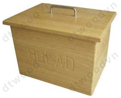 Engraving bread box with loose cover.