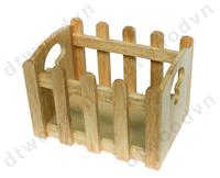 Wooden fence basket with handle